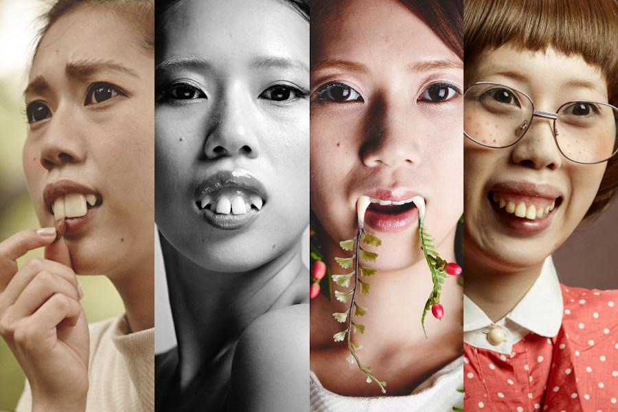 4パターンの撮影用入れ歯を付けた女性